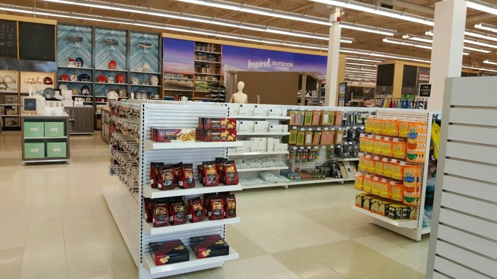Discount & General Merchandise Displays - 04