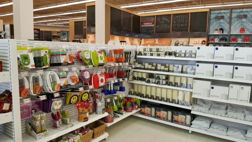 Discount & General Merchandise Displays - 07