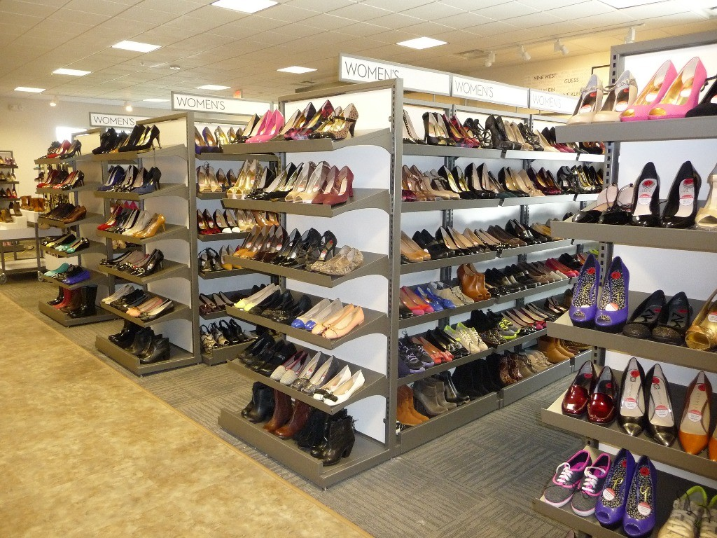 Footwear Displays - 03