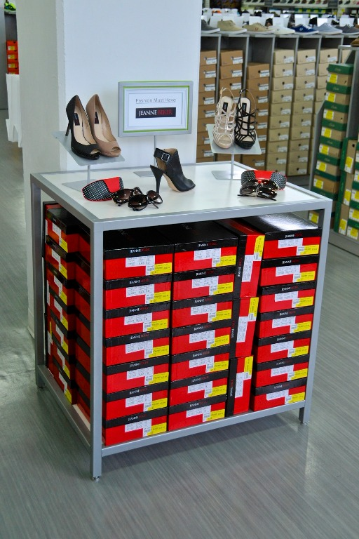 Footwear Displays - 17