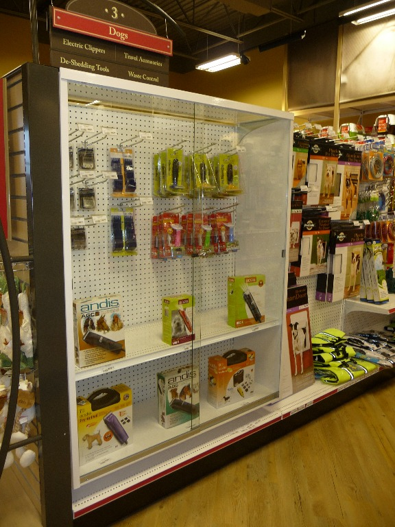 Pet Store Displays - 05