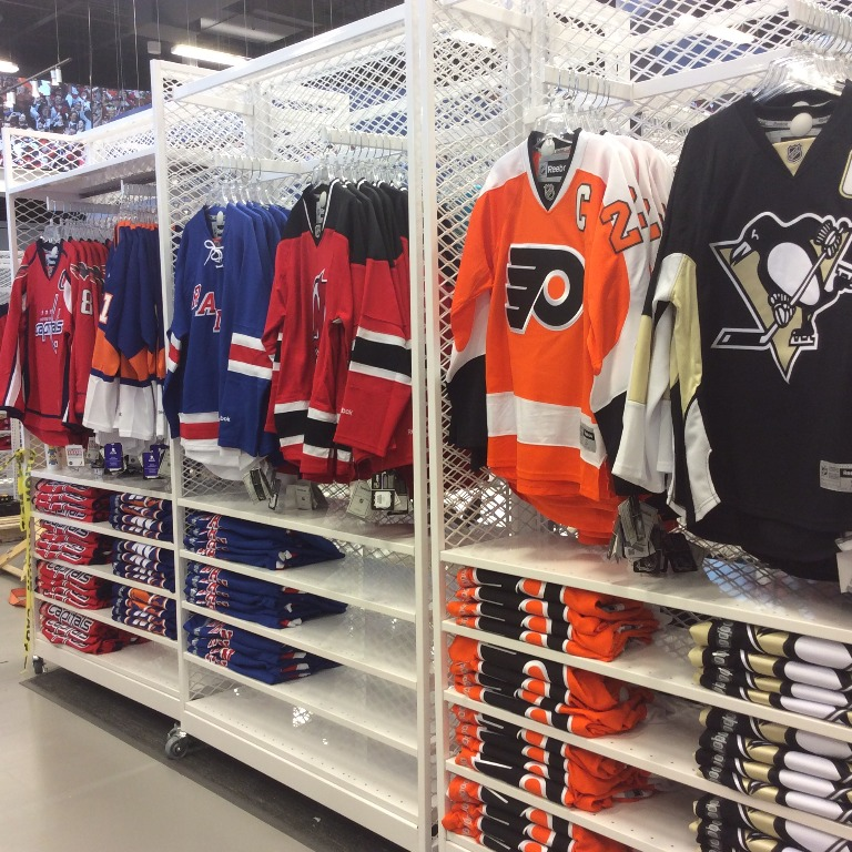 Sporting Goods Displays - 04