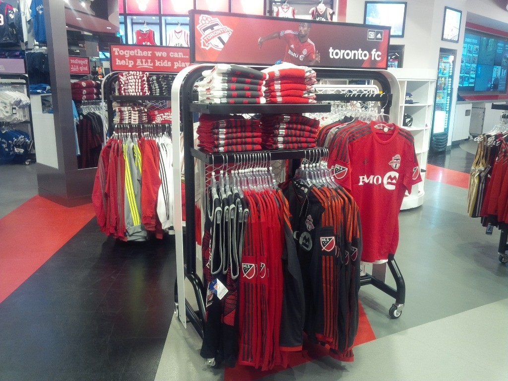 Sporting Goods Displays - 14