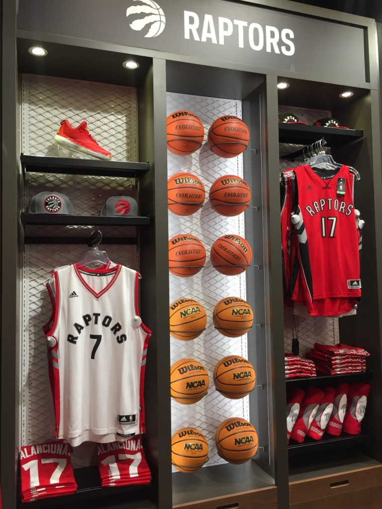 Sporting Goods Displays - 29